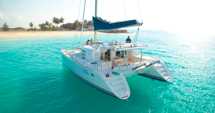 Luxury Yacht Vacation Rates Belize Sailing Vacations