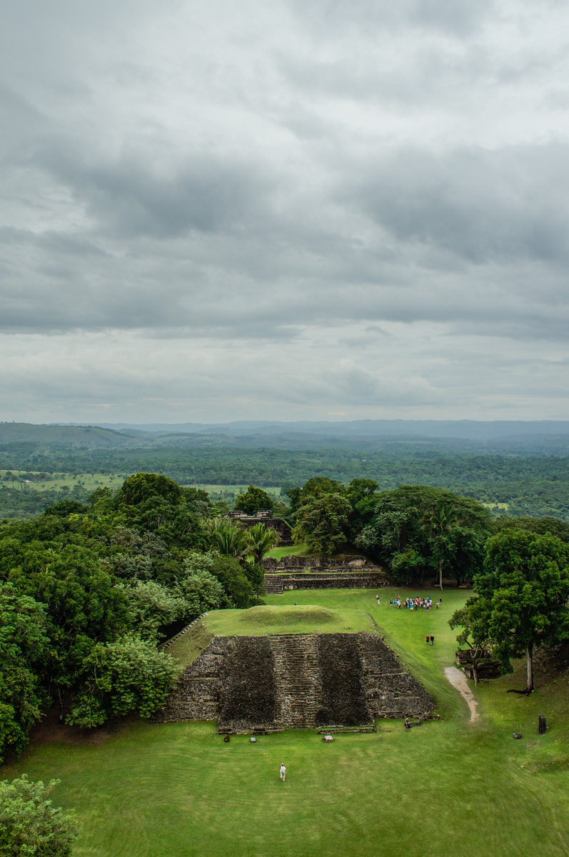 high angle Photo mayan temple group tour in belize Credit Zoe LVH