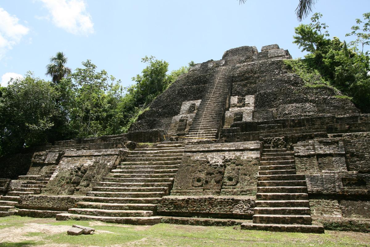 Lamina High Temple mayan jungle belize