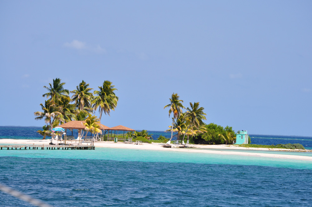 secluded private island in belize goff's caye